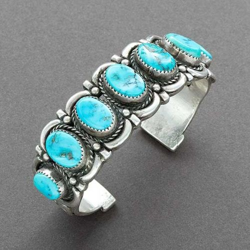 Navajo Row Bracelet With 7 Turquoise Stones in Silver