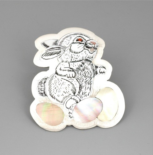 Dale Edaakie Pin of White Easter Bunny