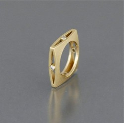 Maria Samora Ring Gold with Diamonds